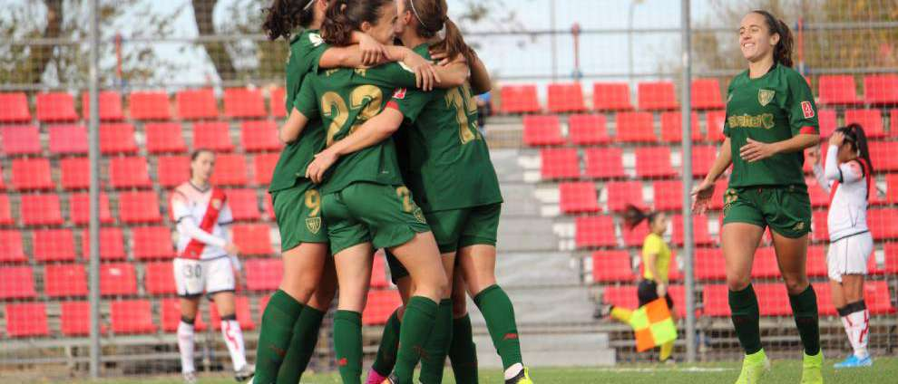 Jugadoras del Athletic delebran gol al Rayo Vallecano
