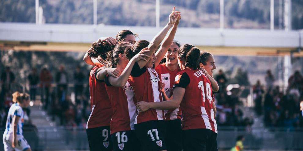 Victoria del Athletic en el derbi de la liga femenina.